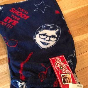 Awesome holiday gift!! Fleece pajama bottoms